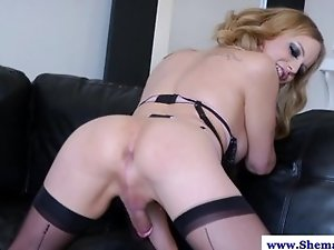 Kinky sexy busty shemale loves self
